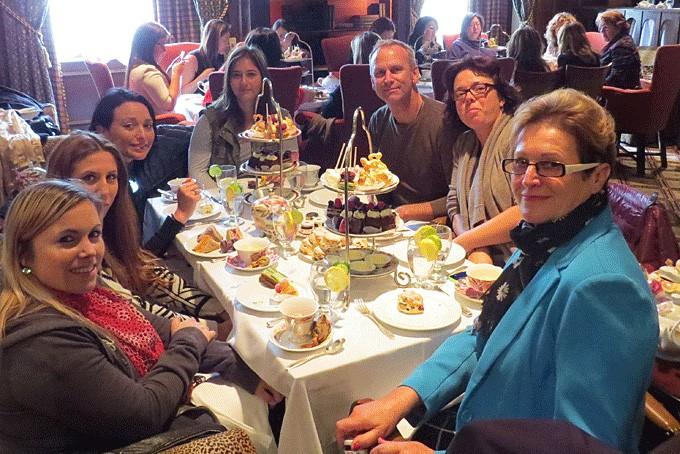 Beim Afternoon Tea im Hotel Fairmont Royal York