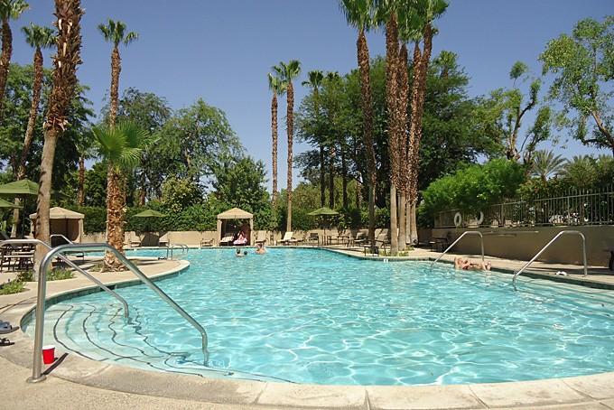 Pool im Esmeralda Desert RV- Beach