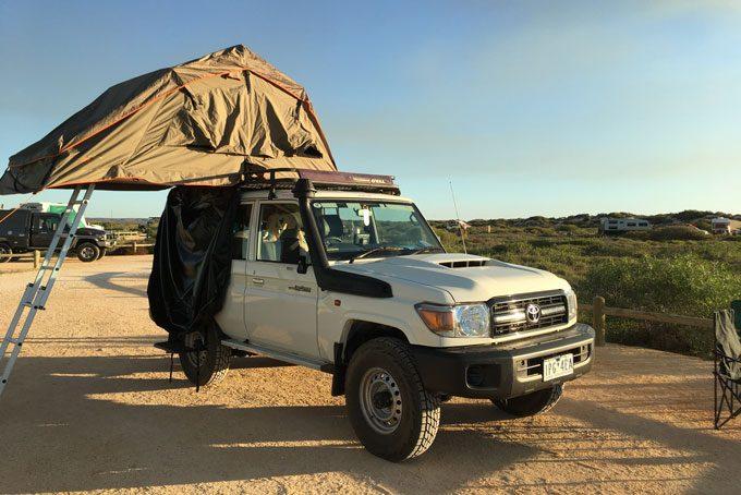 Unser 4 WD Camper von Britz mit Dachzelt